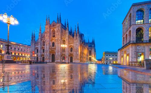 Spoed Fotobehang Milan Milan Cathedral - (Duomo di Milano (Milan Cathedral) and Piazza del Duomo in Milan)
