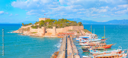 Pigeon Island with a Pirate castle Tablou Canvas