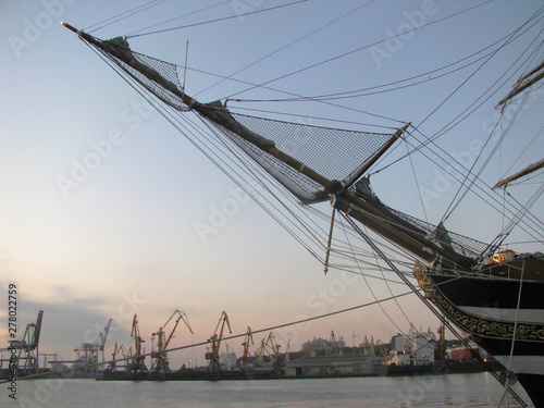 Photo Stands Rotterdam Sailboat bowsprit, mast, rigging and guys, sea adventures