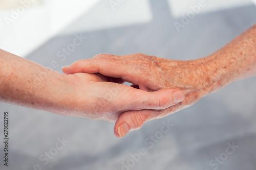 Carta da parati MAINS PERSONNES AGÉES
