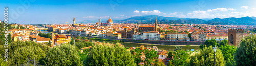 Foto op Aluminium Florence Florence panorama, Italy. Amazing panoramic view from Michelangelo park square on Florence Palazzo Vecchio and Duomo Cathedral. Firenze, Tuscany