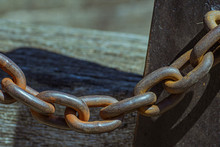 Heavy-duty Chain Links Capable Of Withstanding Great Forces And Holding Firm