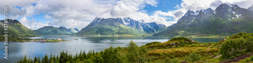 Spoed Fotobehang Pistache Panoramic image of the Austnesfjord with Sildpollnes to the left, in the middle the Geitgaljartind mountain, Austvågøya island, Lofoten islands, Norway