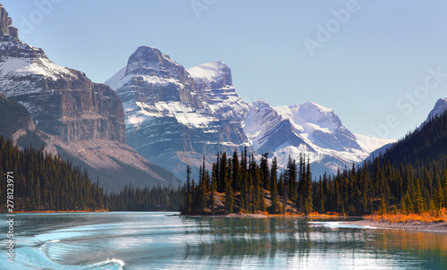 Canvas Prints Blue sky Panoramic view of Maligne lake in Jasper national park