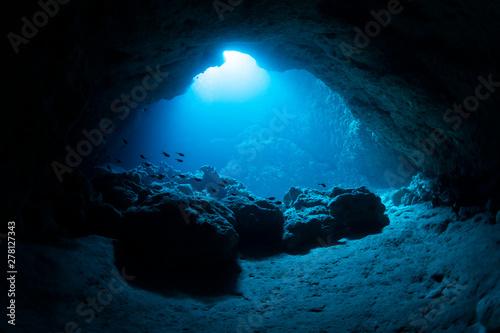 Valokuva  Underwater cave