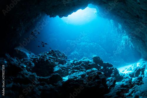 fototapeta na lodówkę Underwater cave
