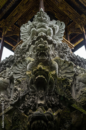 Tuinposter Historisch mon. Ornate temple Balinese Hindu temple carving