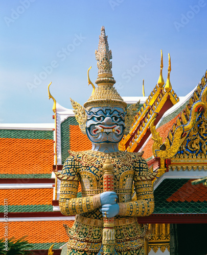 Tuinposter Historisch mon. Statue in Wat Phra Kaeo, Grand Palace, Bangkok, Thailand, Southeast Asia, Asia