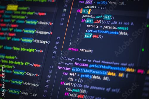 Fotografía Developer screen with colored website programming code