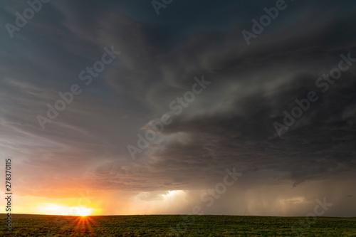 Photo  Supercell at sunset, Nara Visa, New Mexico, USA