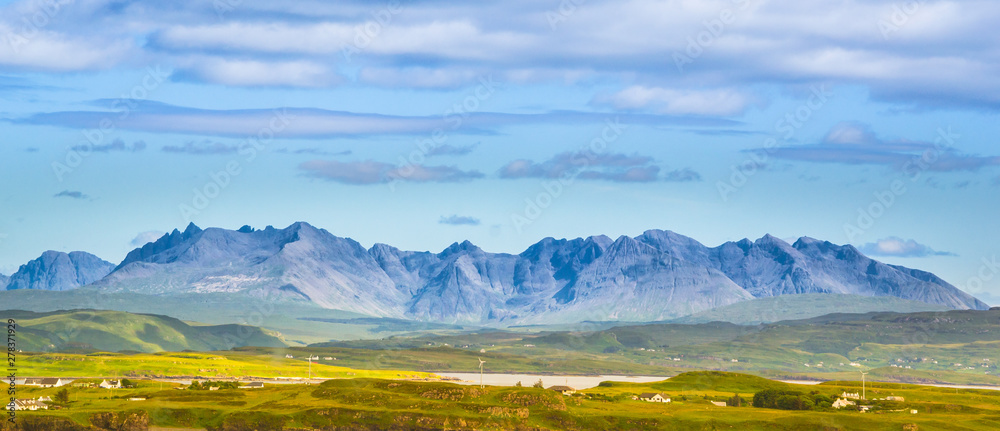 Fototapety, obrazy: Rocky spectacular peaks of Black Cuillin mountain range - Isle of Skye, Scotland