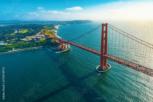 Canvas Print Aerial view of the Golden Gate Bridge in San Francisco, CA