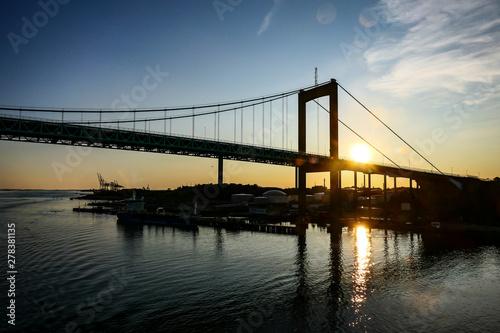 Fotobehang Brooklyn Bridge Gothenburg, Sweden The Gothenburg harbor and the Gota Alv bridge.