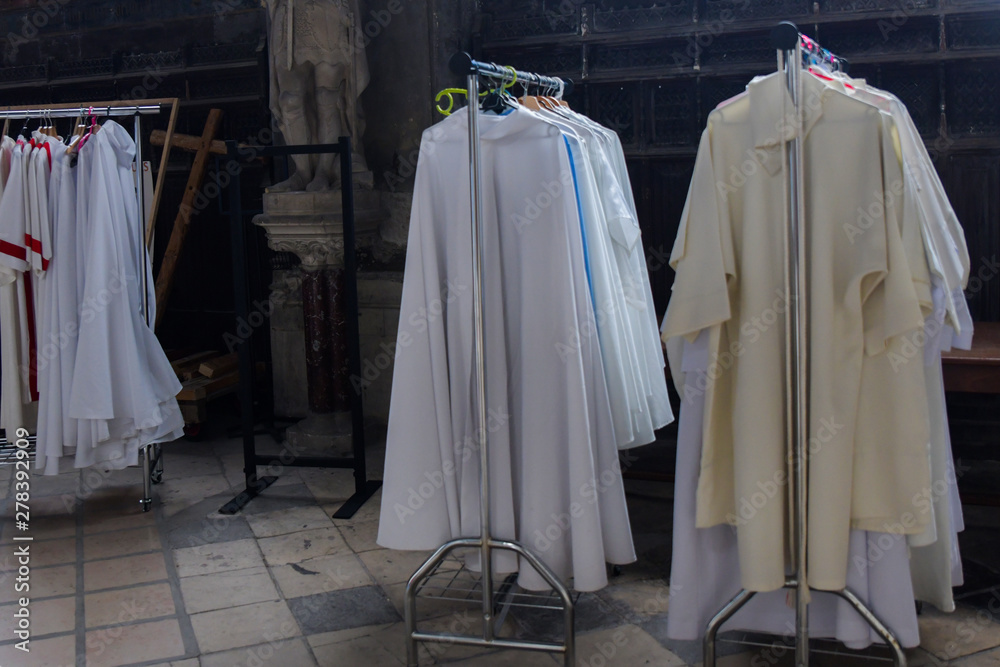 Fototapety, obrazy: Chasubles of the priest in a Catholic church