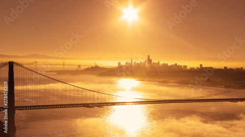fototapeta na szkło Golden Sunrise over San Francisco