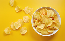 Close-Up Of Potato Chips Or Cr...