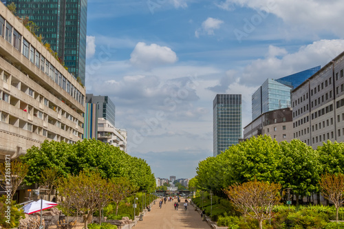 Fotografie, Obraz  La Defense Without Cars and Clouds
