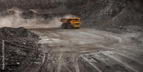 Obraz na plátně mining truck in a coal mine