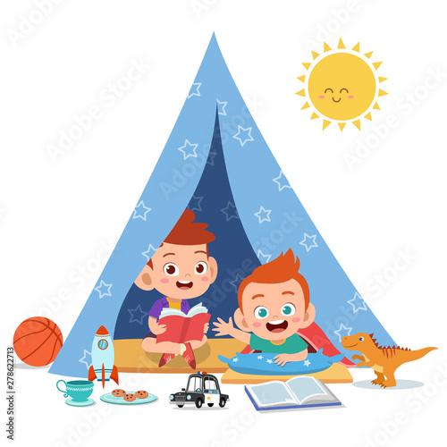 Fotomural kids play on tent vector illustration