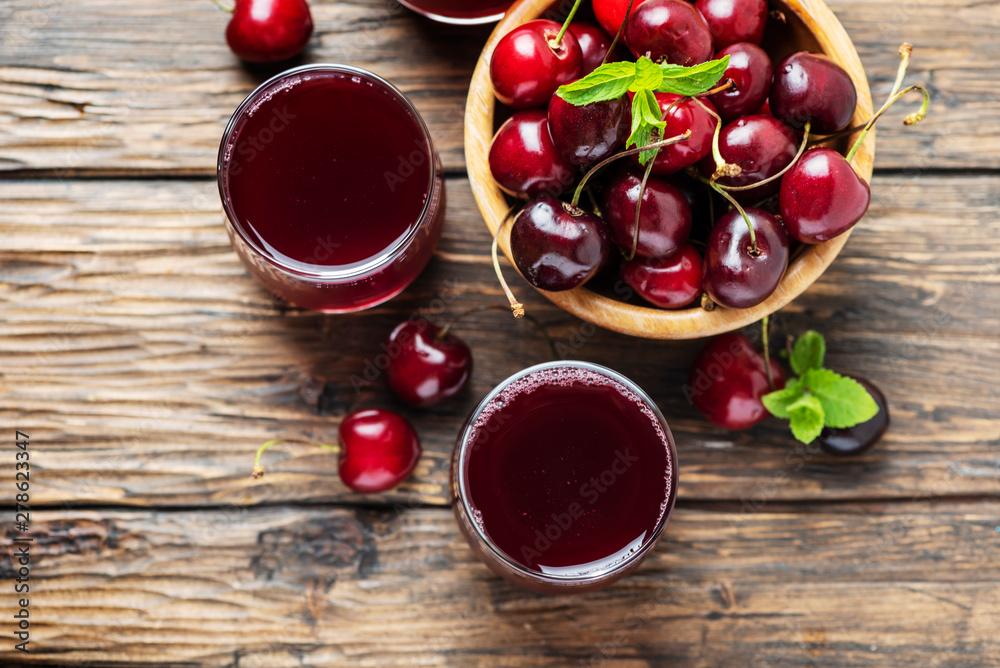 Fototapety, obrazy: Summer cherry juice