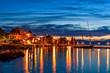 Ansicht von Evian-les-Bains am Abend