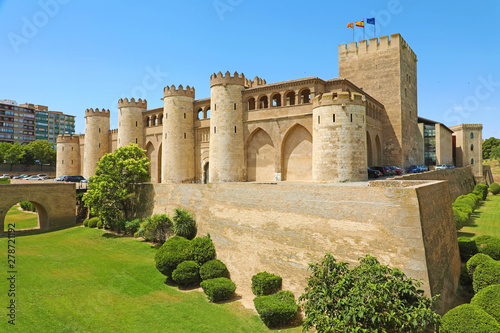 Canvastavla Aljaferia Palace in Zaragoza, a medieval castle built in 11th during Islamic dom