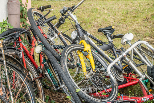 Fotografie, Obraz  Fahrrad Schrott auf einem Haufen