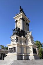Monument à Alphonse XII, Parc Du Retiro à Madrid, Espagne
