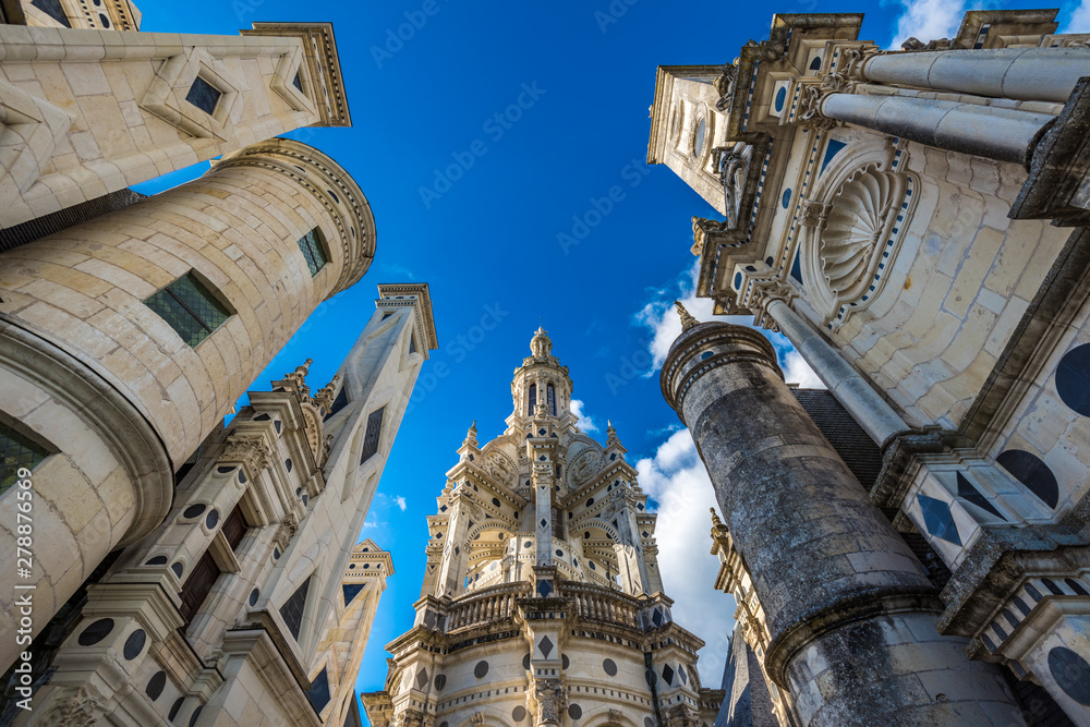Fototapety, obrazy: Chateau de Chambord, the largest castle in the Loire Valley, France