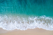 砂浜と波 空撮