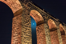 Night  View Of The Remains Of An Ancient Roman Aqueduct Located Between Acre And Nahariya In Israel