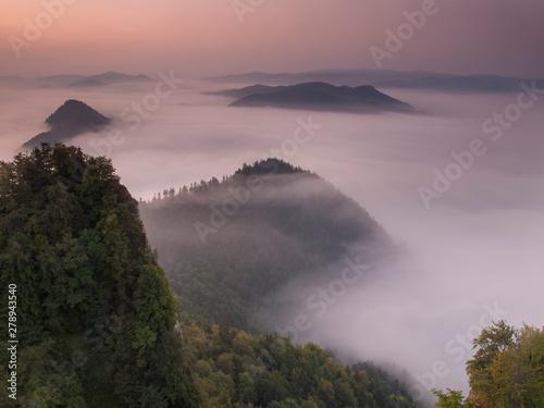 Riviere Pieniny - Carpathians Mountains