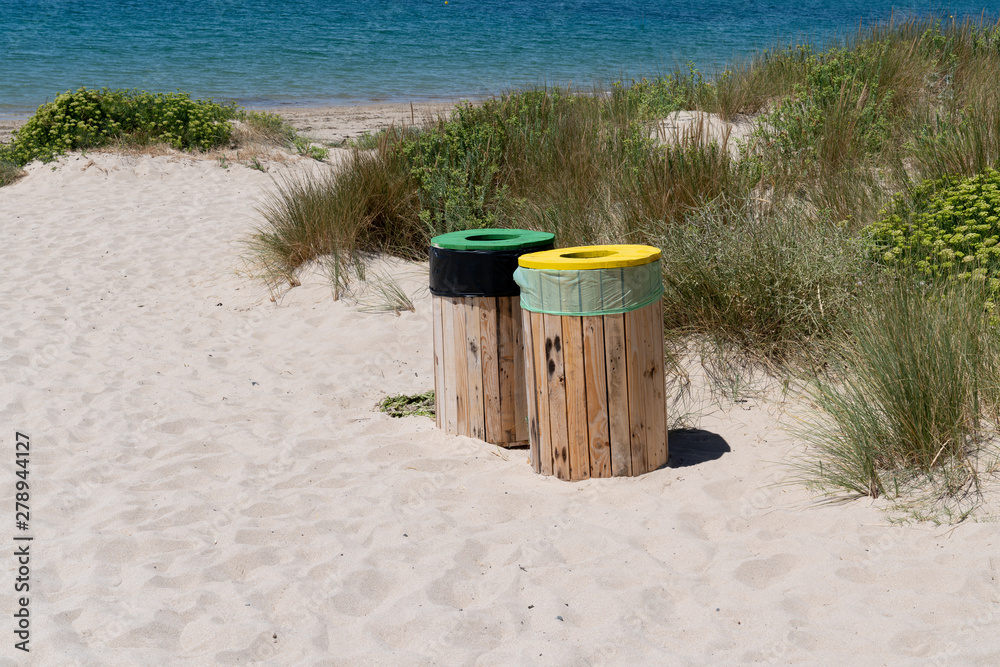 Fototapety, obrazy: selective sorting bin on the beach on Vendee Island of Noirmoutier Vendee France