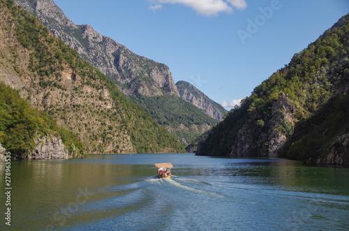 Lake Koman Canvas-taulu
