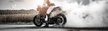 Wilder Motorradfahrer Lässt D...