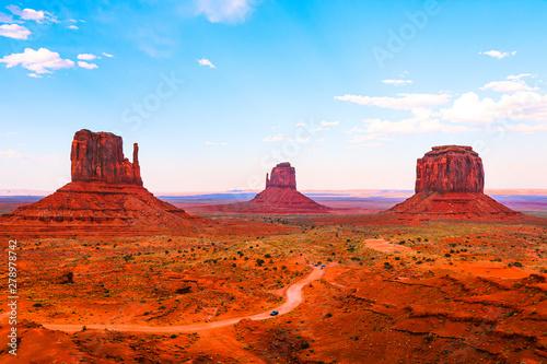 Foto auf AluDibond Rot kubanischen Amazing sunlight near Monument Valley, Arizona, USA.