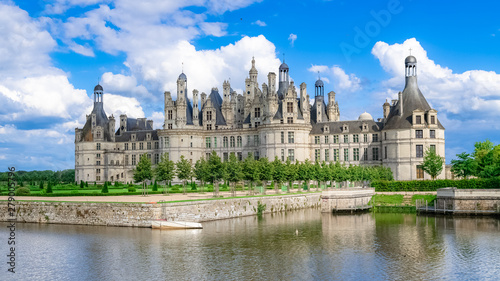 Poster Chasse Chambord castle in France, beautiful French heritage, panorama