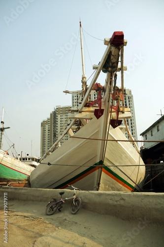 Aluminium Prints Nasa old ship in port