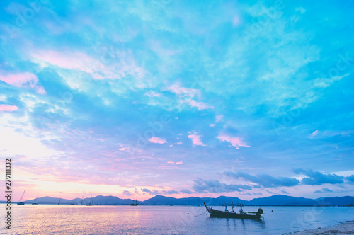 Foto auf AluDibond Flieder Travel in Thailand. Colorful landscape with sea beach, traditional longtail boat over beautiful sunset background.