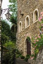 Zuccarello Small  Medieval Ita...