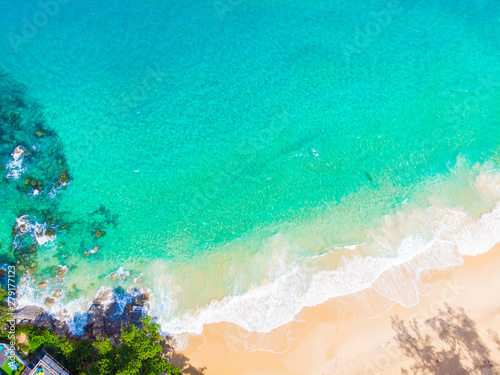 Türaufkleber Reef grun Sea wave white sand beach summer vacation serenity background