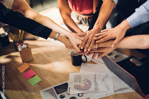 Fotomural  Teamwork,partnership and Social connection in business join hand together concept