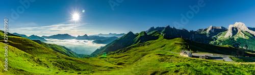 Deurstickers Snelle auto s Col d'Aubisque in den Französischen Pyrenäen