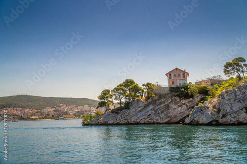 Photo  Lonely house on the rocks with sea view in Croatia