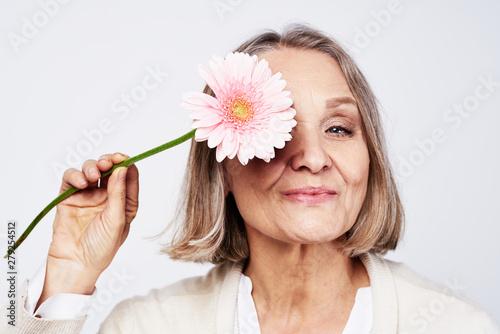 Fototapeta woman with flower obraz
