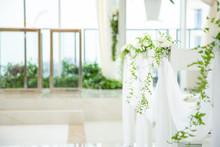 純白のチャペルと装花