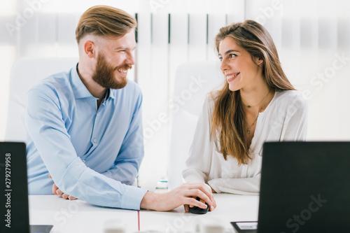 Valokuva  Workplace Relationship Romance