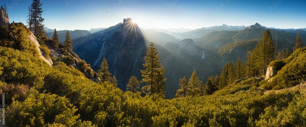 Fototapety, obrazy: Half Dome and Yosemite Valley in Yosemite National Park during colorful sunrise with trees and rocks. California, USA Sunny day in the most popular viewpoint in Yosemite Beautiful landscape background