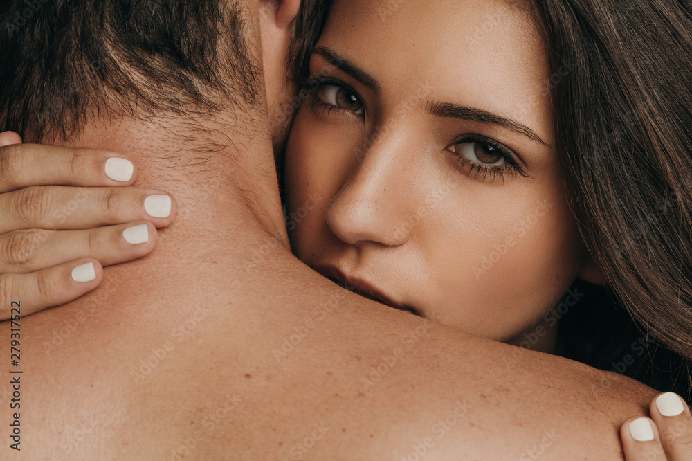 Fototapety, obrazy: Couple in a romantic moment