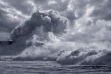 Big Sea Wave Splash